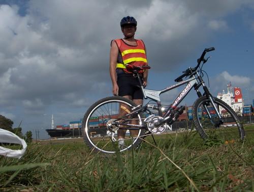 Milton med riktig sykkelantrekk