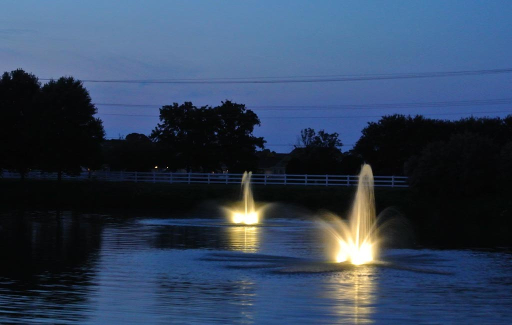 DW Fountains at night